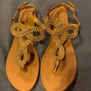 NWT  🆕Qupid- Gold Braided T-Strap Jamilla Sandal